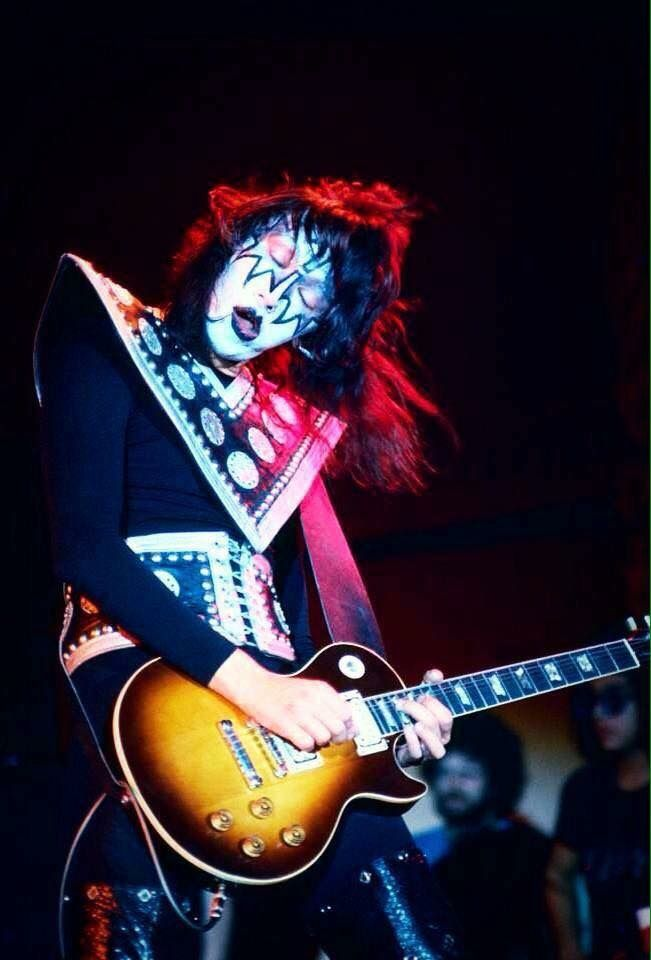Pin By Kiss Lady On Ace Frehley In 2020 Vintage Kiss Hot Band