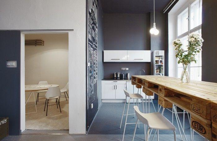 The Prague-based company Social Media agency, Bubble, has created a wonderfully modern office space.
