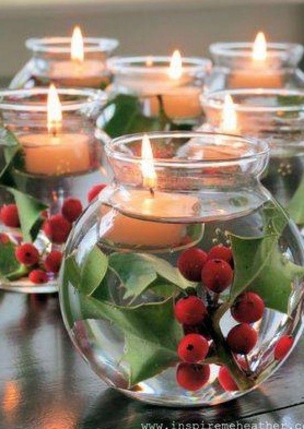 Inspiratie voor Kerst .. Mooi.. Losse takken van hulst , water en drijfkaars ! ...