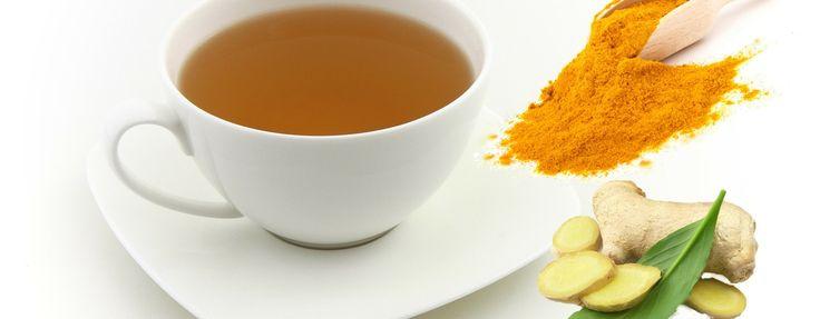 thé anti-inflammatoire : Gingembre et curcuma infusés dans de l'eau que l'on porte à ébullition. Verser à travers un tamis puis ajouter du miel et une tranche de citron.