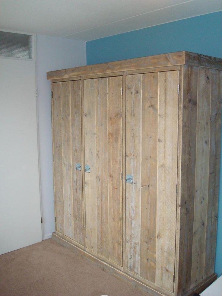 Armoire trois portes