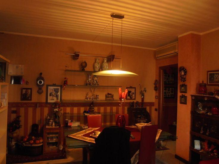 PONT-SAINT-MARTIN - Appartamento in condominio composto da ingresso, soggiorno, cucina abitabile, due camere, bagno e terrazzo.  Box auto e cantina Richiesta 160.000/00