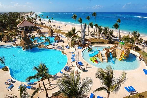 Punta Cana é un dos mellores lugares para pasar vacacións en Republica Dominicana cabo situado ao este da República Dominicana. As playas de Punta Cana son lugares afrodisíacos, xa sea pola sua area branca, a auga extremadamente cristalina ou o aspecto salvaxe destas hermosas playas.