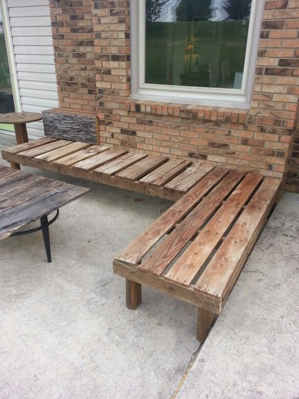 Recaimed wood outdoor bench/ For the corner section around the firepit? Add some cushions?