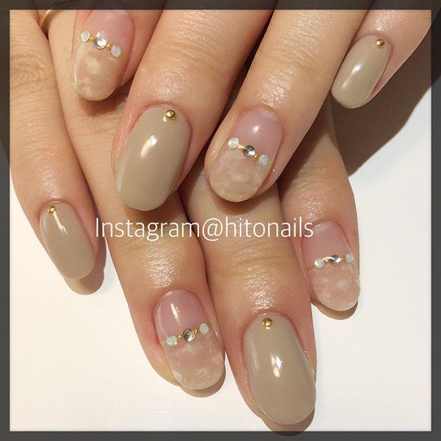 hitonails#nail#nails#nailart#gel#gelnail#spring#nudie#simple#ネイル#ネイルアート#ジェルネイル#スカルプ#ヌーディー#シンプル#ワンカラー#グレージュ