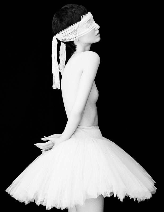 #art #shoot #pointes #remi&kasia #tutu #blackandwhite #wig #alexiagiordano