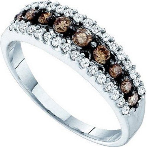 chocolate diamond ring uses white accent diamonds to emphasise the rich brown color.