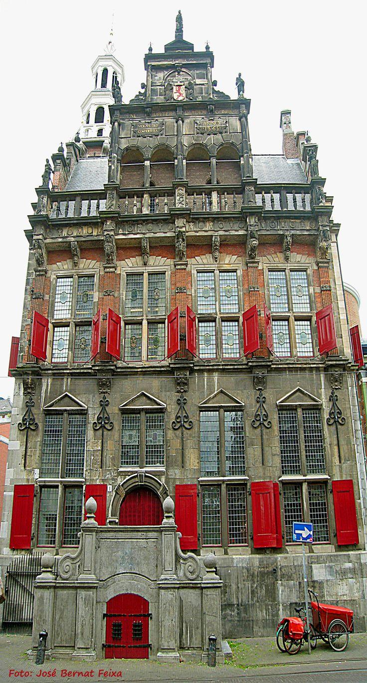 Den Haag Het vroegere stadhuis.