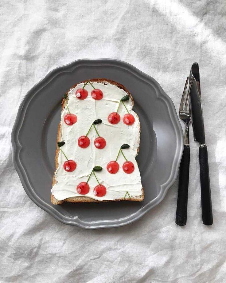 パン1枚のアート♩「柄トースト」のリアルなミニチュア感に思わず二度見! - macaroni