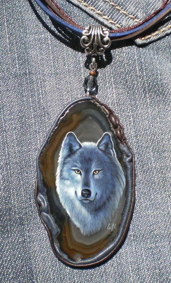 Wolf pendant on agate