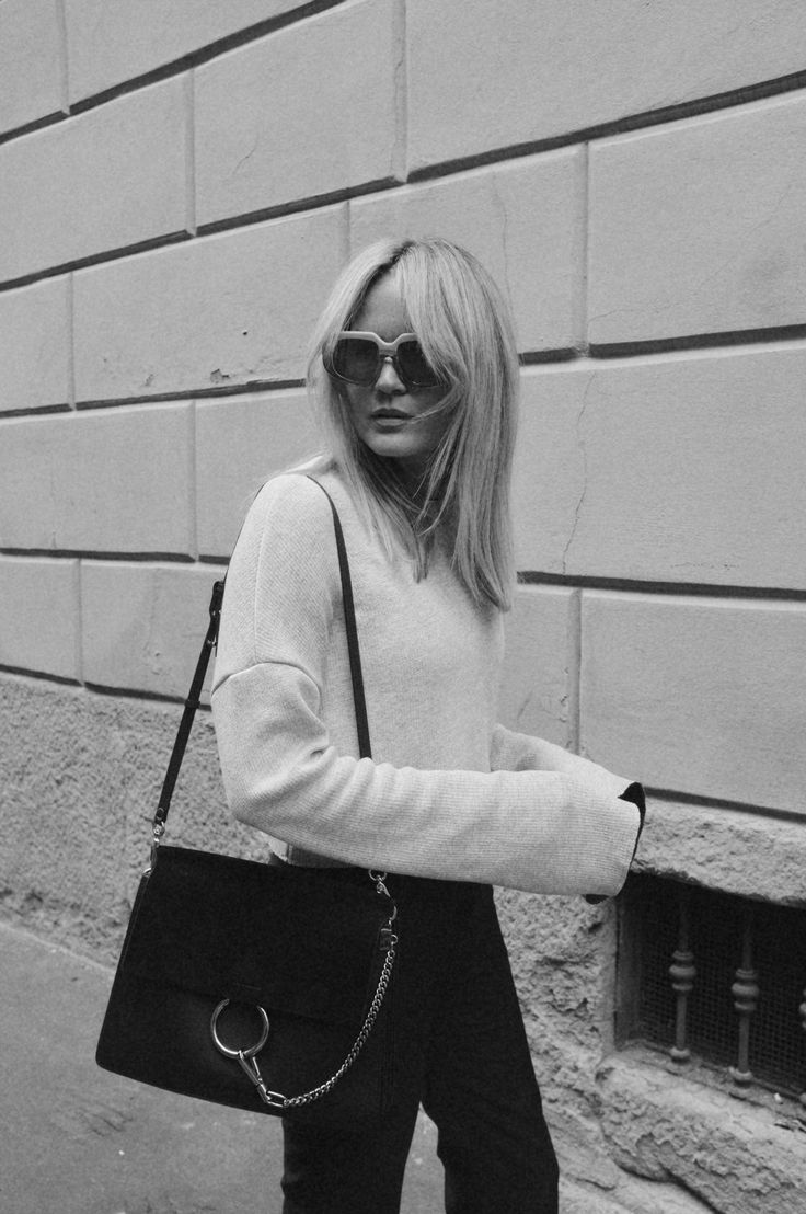 BROOKE TESTONI. For more images and outfit details head to her blog: http://www.brooketestoni.com/2015/09/the-streets-of-milan/