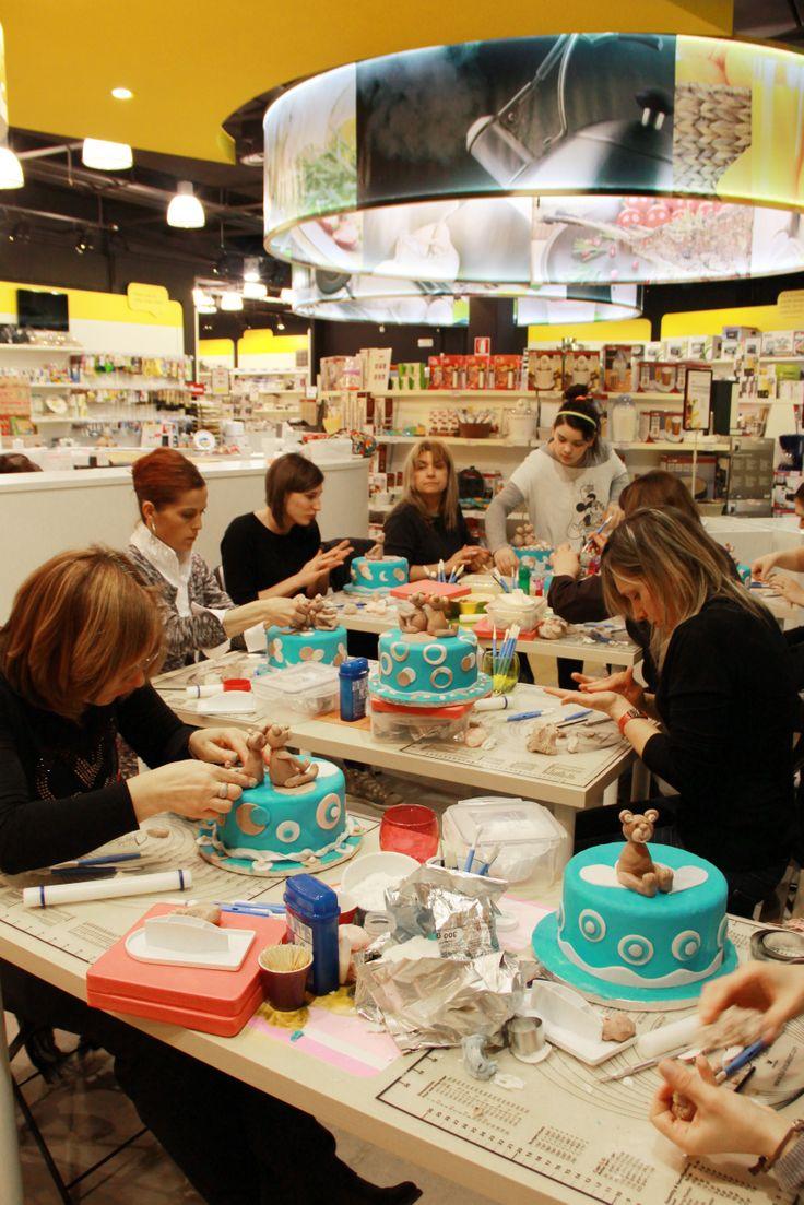 I protagonisti del corso di Cake Design all'opera