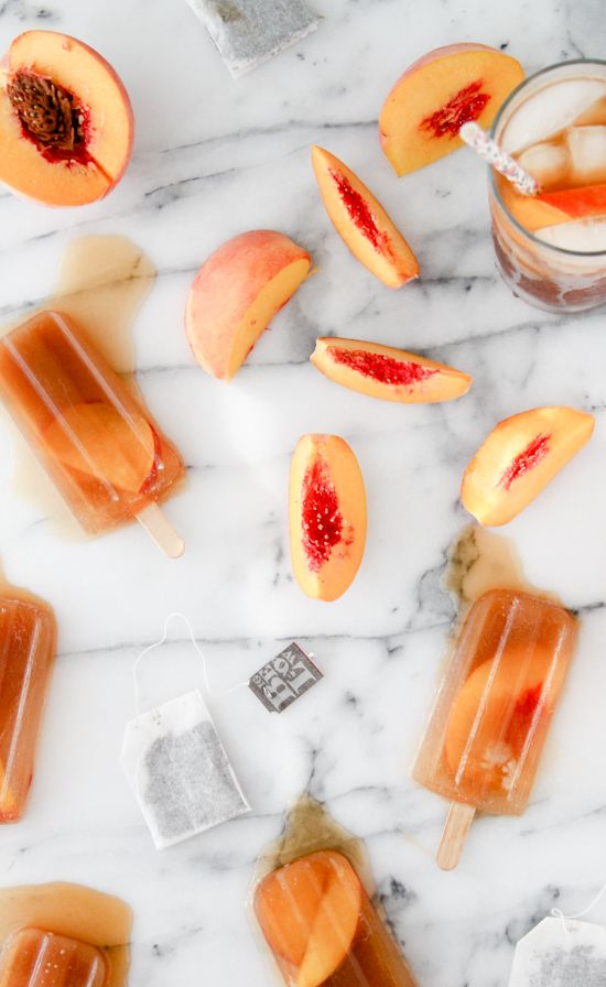 These sweet tea + peach popsicles have only two ingredients.