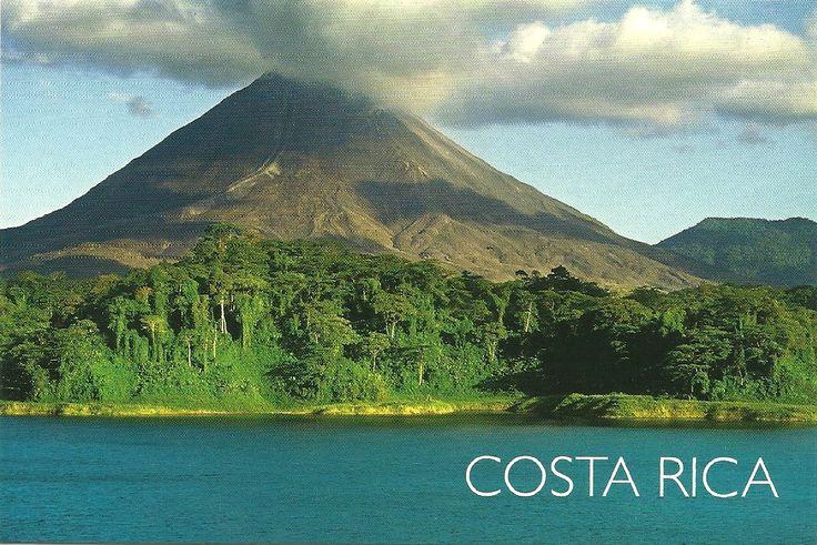 El volcán Arenal de Costa Rica está situado en el distrito de La Fortuna, cantón de San Carlos, en la provincia de Alajuela. Tiene una altura de 1.670 msnm. El volcán se encuentra dentro del Parque Nacional Volcán Arenal.
