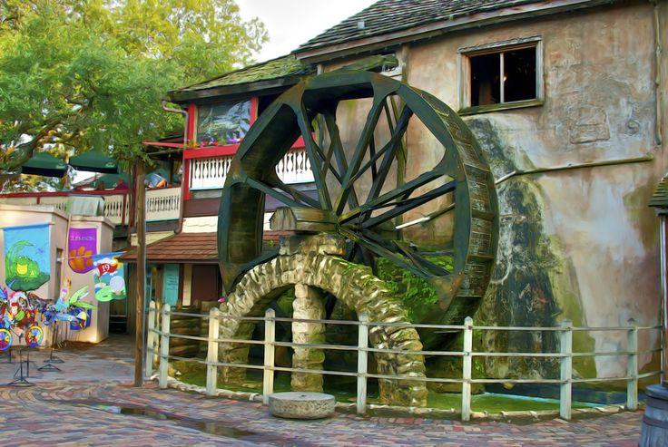 old city gates st augustine fl old water wheel on st. Black Bedroom Furniture Sets. Home Design Ideas