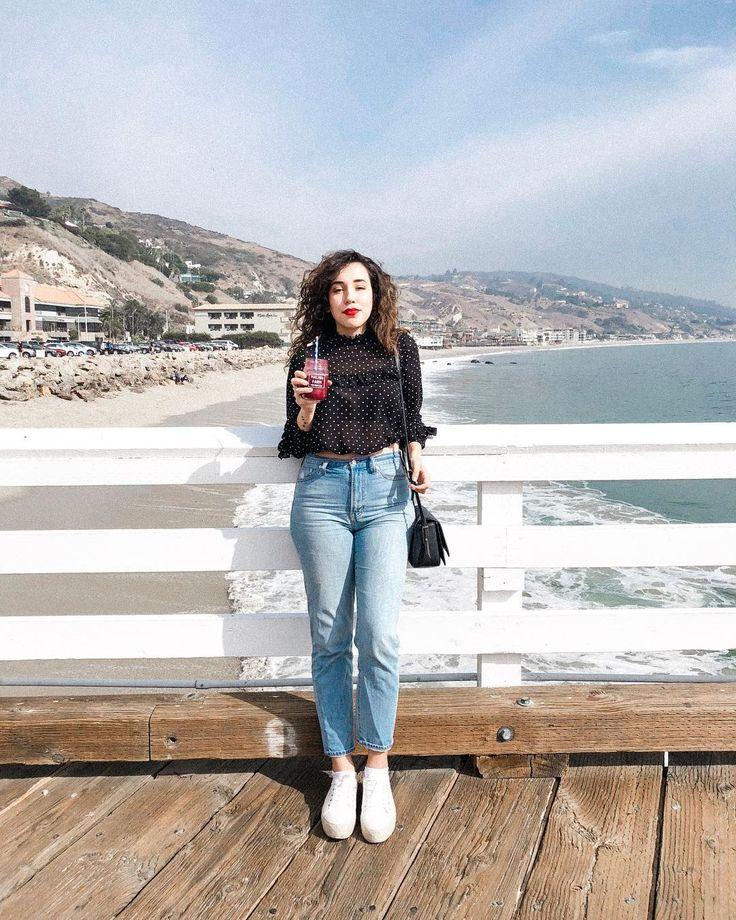 My new favorite jeans is The Perfect Summer Jean from @madewell. Perfect 80s vibe. . Logo eu que nunca gostei de usar jeans agora não consigo tirar esse modelo de cintura alta do corpo. Sério! É confortável veste bem e ainda combina com tudo. Sou louca se comprar mais só por medo da @madewell tirar de linha?