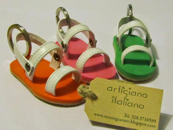 Sandaletti colorati disegnati e realizzati da Cristiano Bordoni