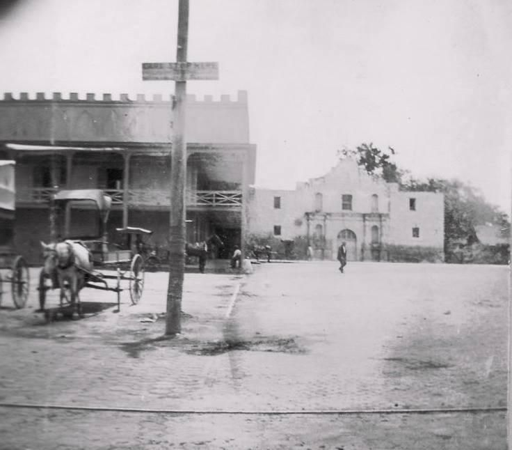 1899 - Great Old Photo Of The Alamo.