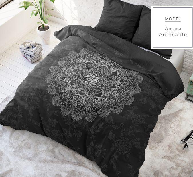 Kvalitní bavlněné ložní povlečení černé barvy se vzorem mandala
