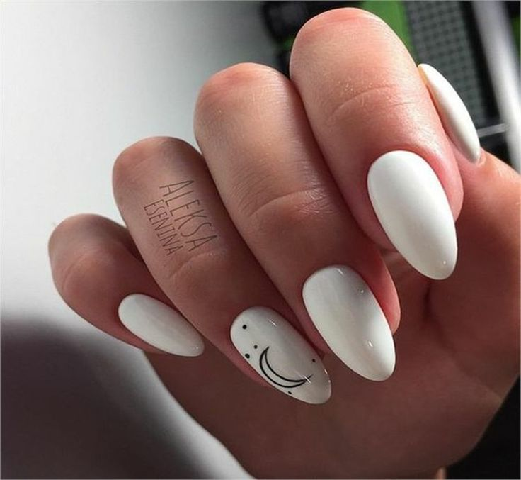 30+ Amazing White Gel Nail Art Design Ideas #gel #white #nail_art #gel_white_nai…