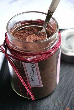 Le Pétrin: Mélange Maison Pour Vrai Chocolat Chaud http://www.750g.com/recettes_fait_maison.htm #750g #750grammes #faitmaison