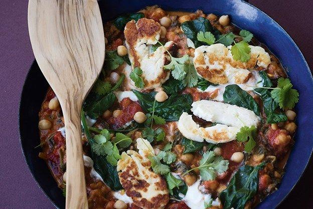 RECEPT. Stoofpot met kikkererwten, spinazie en tomaat - De Standaard: http://www.standaard.be/cnt/dmf20160209_02118119?utm_source=facebook