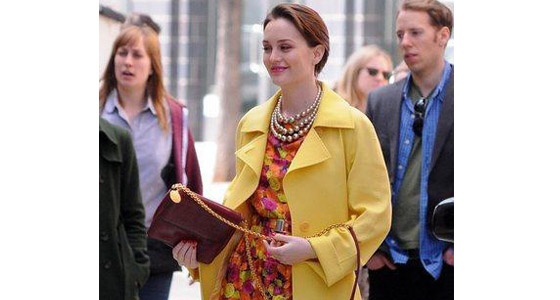 We LOVE this bright, floral style Leighton Meester works on the set of Gossip Girl. A yellow mac is definitely on our wishlist!