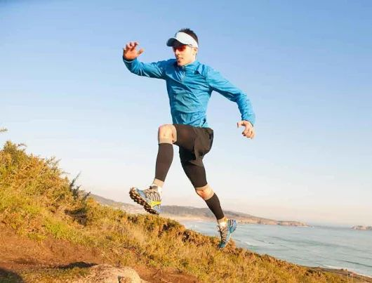 Out of breath thinking of hill running? Follow these tips: http://bit.ly/2dm6NV7 || http://j.mp/AmazonUSFuturepaceTech25oz || #FuturepaceTech #waterbottle #insulatedwaterbottle #stainlesssteelwaterbottle #outdoors #activelifestyle