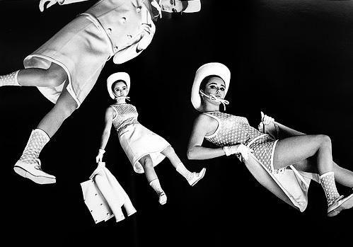 Bowie y Courrèges: la era de la moda sideral (I): David Bowie y André Courrèges  inventaron la manera de vestir en la época espacial.
