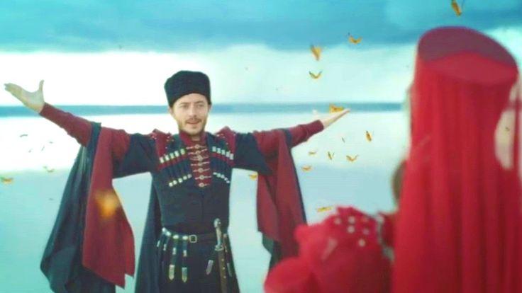 Joined hearts - Evanthia Reboutsika (Birleşen Gönüller) Ενωμένες καρδιές...