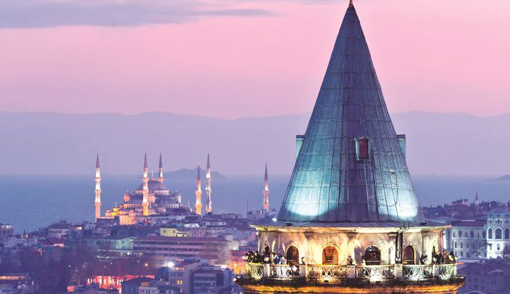 Galata Kulesi, İstanbul. #galata #kule #galatakulesi #istanbul #antik #antikkent #antika #tarih #seyahat #rota #gezgin #seyyah #travel #nature #roadtrip #running #hiking