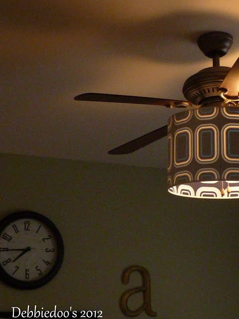 I like the shade on the ceiling fan ;)