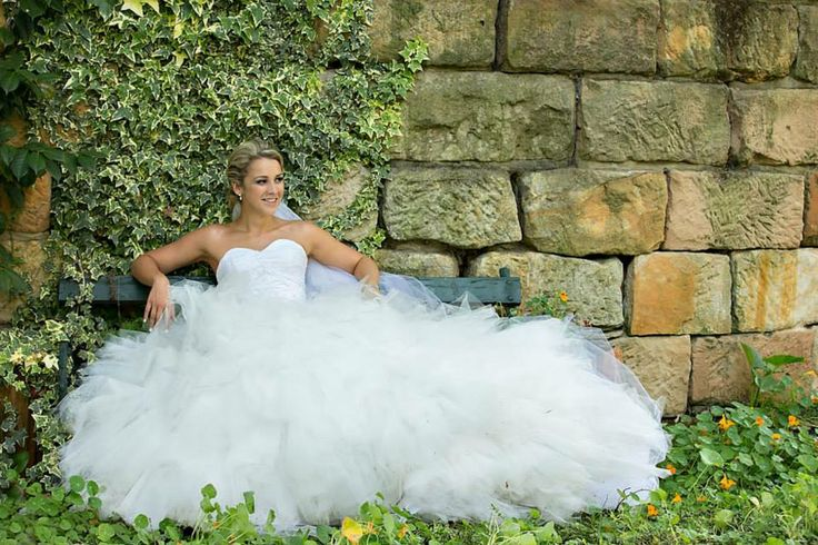 Amazing Bridal gown by the lovely Kel from Kel-leigh Couture. Bodice Number 1 <3 Photography by Lisa Lent