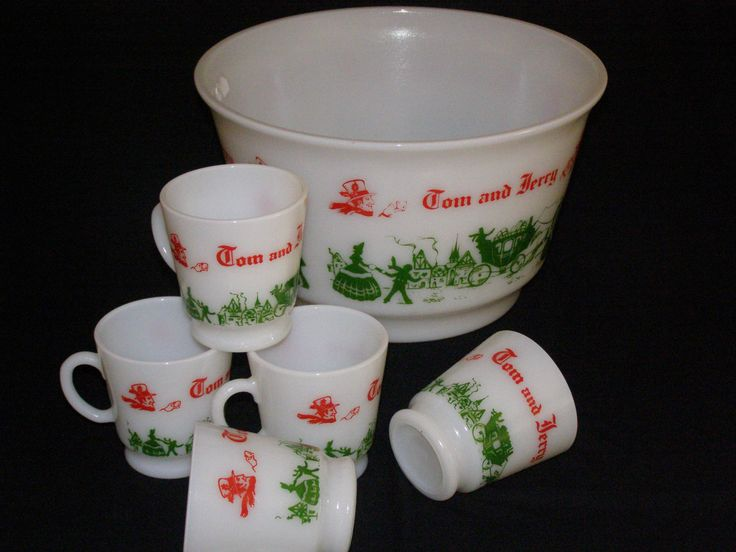Anchor Hocking TOM and JERRY Bowl and Five Cups 64 oz size Green & Red Holiday Ready! by parkie2 on Etsy