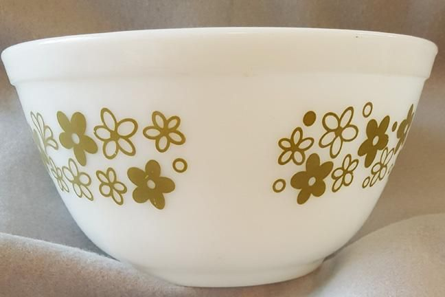 Vintage Pyrex Spring Blossom small stacking bowl, made between `1972 and 1978. Stacking Bowl 1972 - 1978.  Glossy inside and out and ready to use or