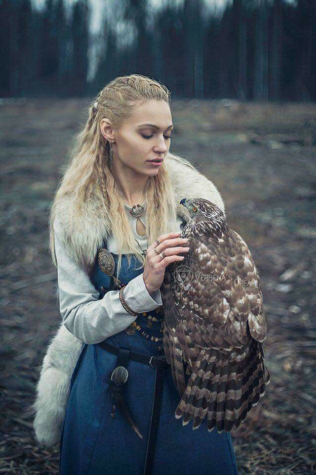 Pin By Wynee On People And Animal Viking Aesthetic Viking Cosplay Norse Pagan