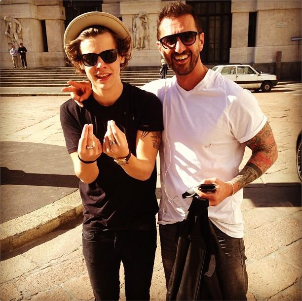 @harrystyles: Thank you Paolo for showing us round Milano. Ciao .x