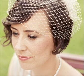 Balunz - vi älskar bröllop och bröllopsaccessoarer!: Sno stilen: korta bröllopsfrisyrer med hårdekoration!