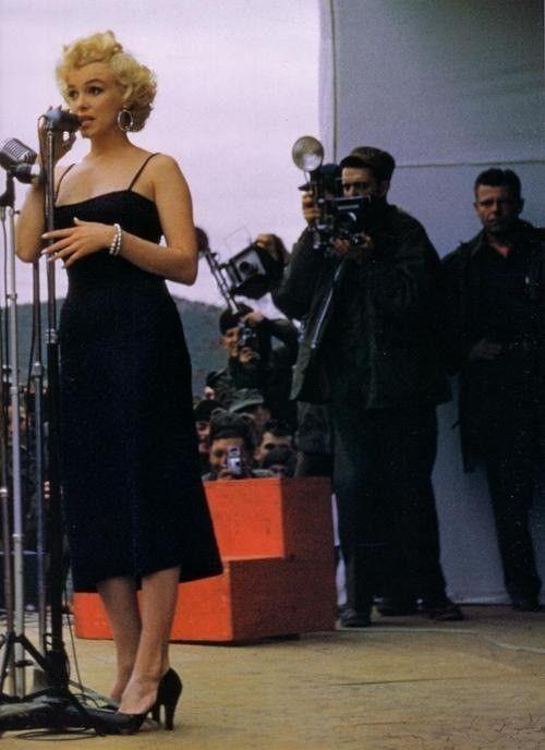 Marilyn Monroe in Korea 1954