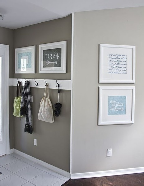 Simple entry way.  Could be something for you @Amanda Norris ecnorris