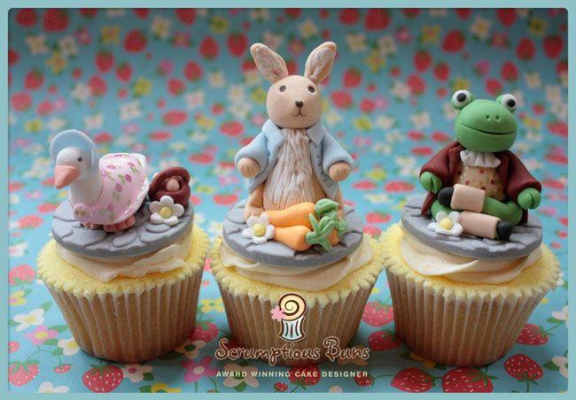 Beatrix Potter cupcakes by Scrumptious Buns - www.scrumptiousbuns.co.ukBeatrix Potter Cupcakes So, Fancy Cupcakes, Friends Cupcakes, Amazing Beatrix, Beatrix Potter Cake, Peter Rabbit, Glorious Cupcakes, Minis Cake, Rabbit Parties