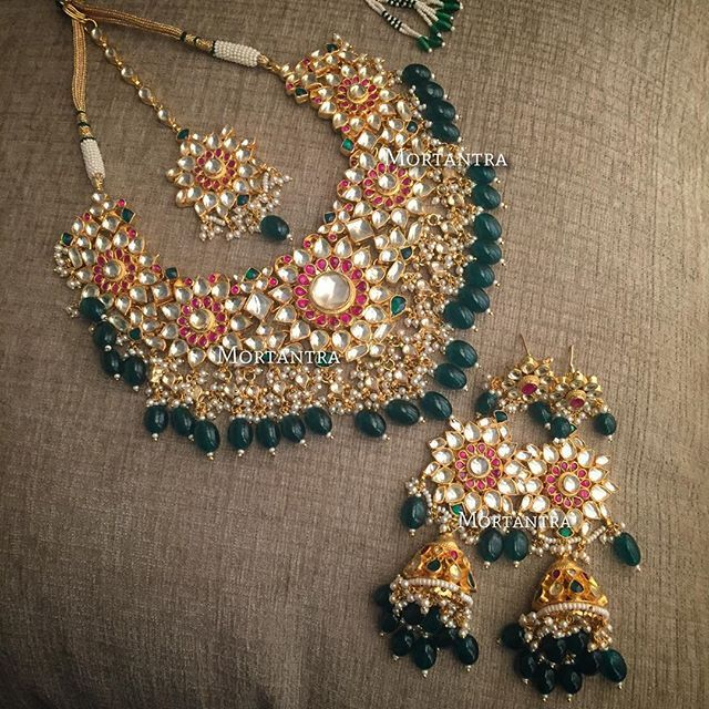 Another #bridaldream... Took flight to beautify a fairytale wedding in Delhi ❤️ #mortantrajewellery #bridaljewellery #mortantrabeauty #mortantra