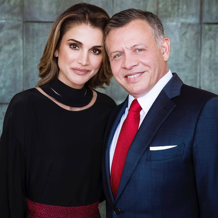 "♔♛Queen Rania of Jordan♔♛...Today on 30 January, King Abdullah II of Jordan turns 56. Queen Rania shared a picture from a recent photo shoot to celebrate the birthday of her husband with the following message, """"To the most loving husband and father, happy birthday from all of..."