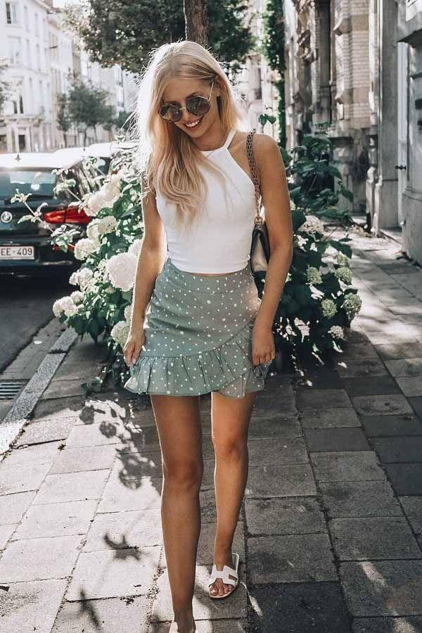 75+ Trendige Sommeroutfits, die Sie lieben werden ,  #lieben #sommeroutfits #tre...