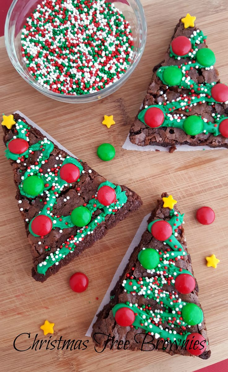 These Christmas Tree Brownies are so cute and easy to make! These would be perfect for a classroom party, pre-school, or just about any occasion! My little guy loves all of the recipes I have been working on. He is the official taste tester. He gives this one 2 thumbs up! Yields: 8-10 servings Time: …