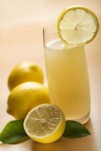 Φρέσκια σπιτική λεμονάδα