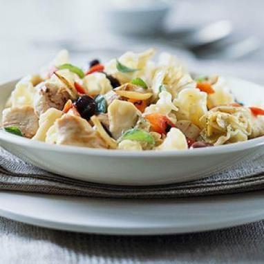 Μεσογειακή διατροφή με μακαρονάδα με κοτόπουλο