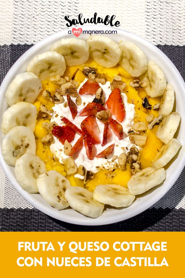 Fruta y queso cottage, el desayuno más saludable Por su forma de elaboración, el queso cottage es un queso de consistencia cremosa y ligeramente granulada, y suele ser catalogado como uno de los quesos más saludables. Además el consumo de frutas aporta pocas calorías y un alto porcentaje de agua (entre 80 y 95 % de su peso fresco), por lo que facilita la hidratación del organismo. Healthy Food, Healthy Recipes, Queso, Healthy Breakfasts, Eating Clean, Meals, Deserts, Forget, Fruit