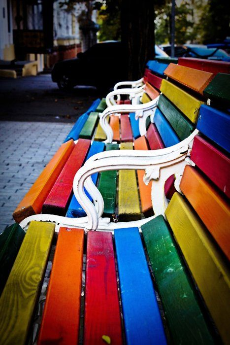 Rainbow park benches!: Rainbows Benches, Beaches Chairs, Parks Benches, Rainbows Colors, Happy Colors, Colors Benches, Gardens Chairs, Great Ideas, Gardens Benches