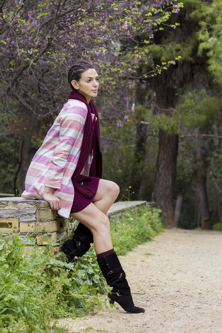 Striped light coat combined with wool burgundy dress and low heels boots, with the same tone of socks